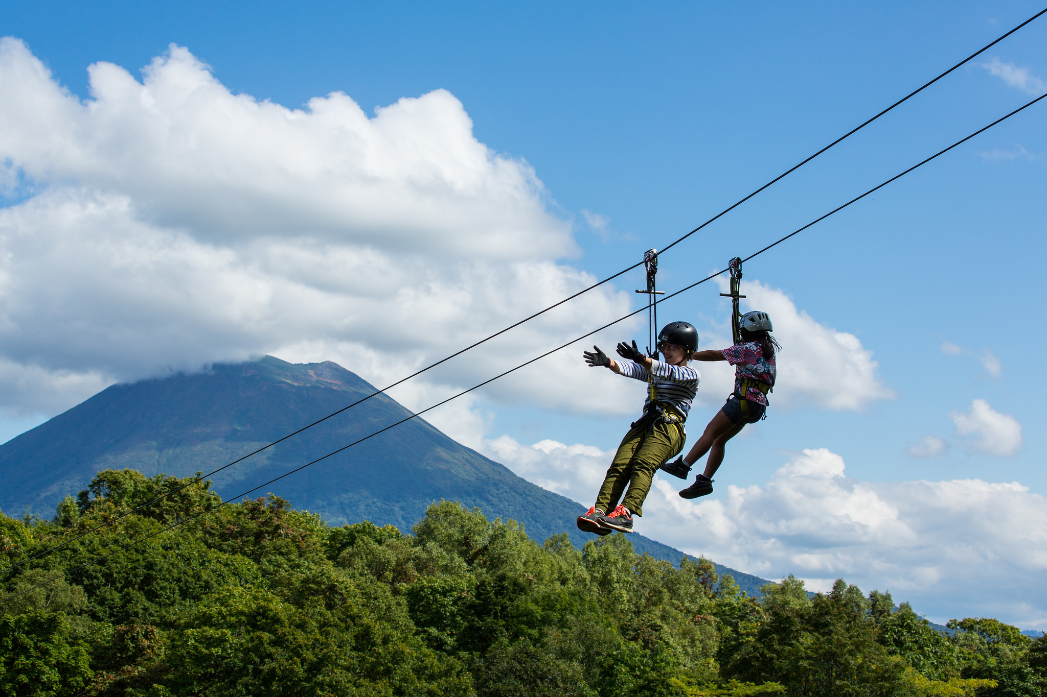 Pure activities, zipline tour