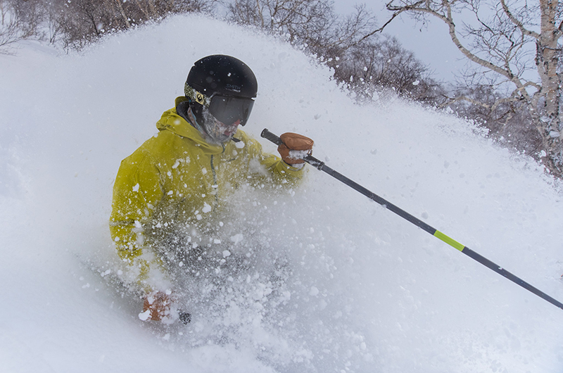niseko united powder skiing