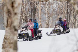 niseko snowmobiling hanazono