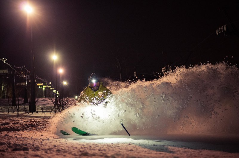niseko japan night skiing powder