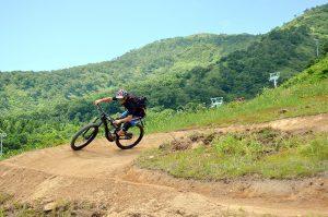 niseko hirafu mountain biking