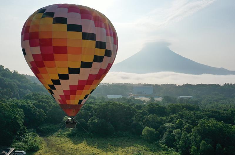 niseko village hot air ballon