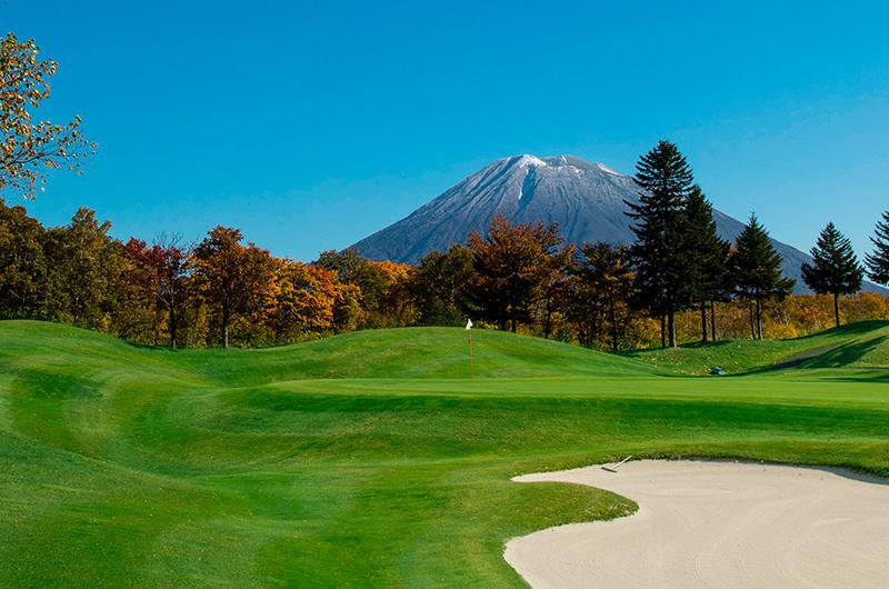 hanazono niseko golf autumn